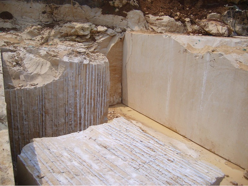 Jura Beige Quarries (2)